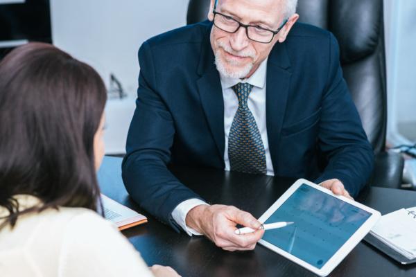 sample financial advisor bio